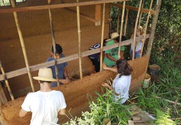 Experiência prática na fazenda ecológica (2-3 dias)